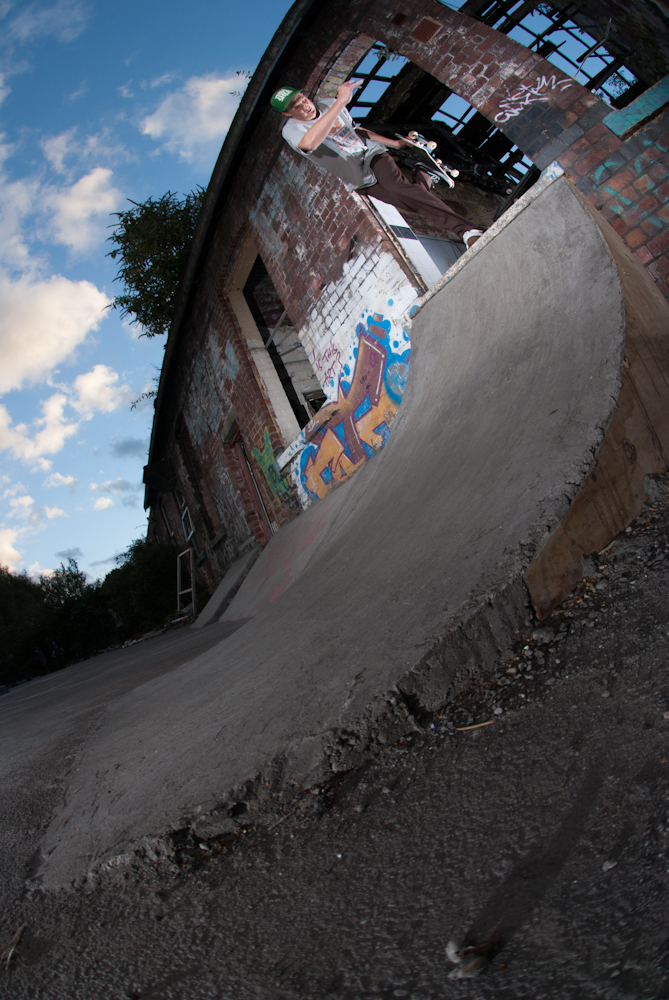 Dave Adlington - Bs Boneless - DIY Sheffield