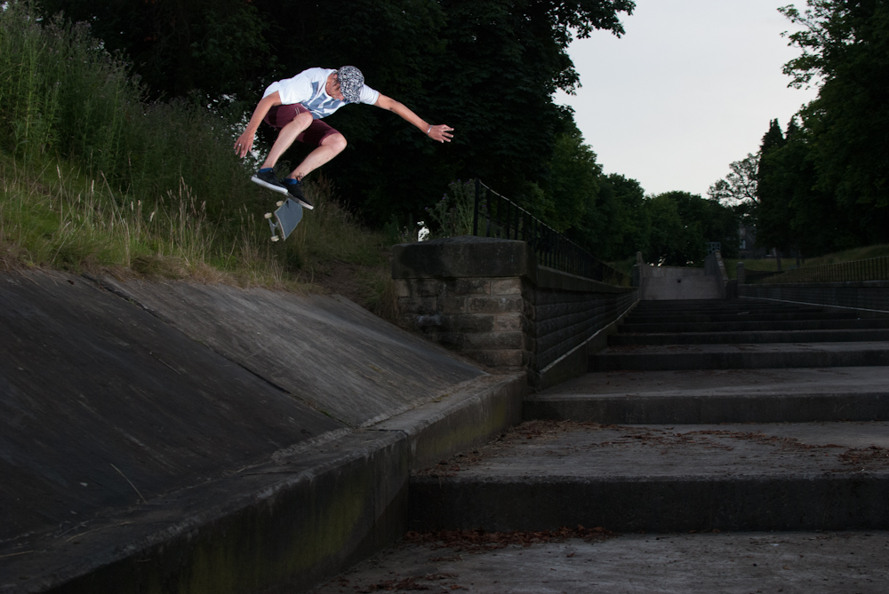 Mark Baines - Kickflip  reservoir - Sheffield