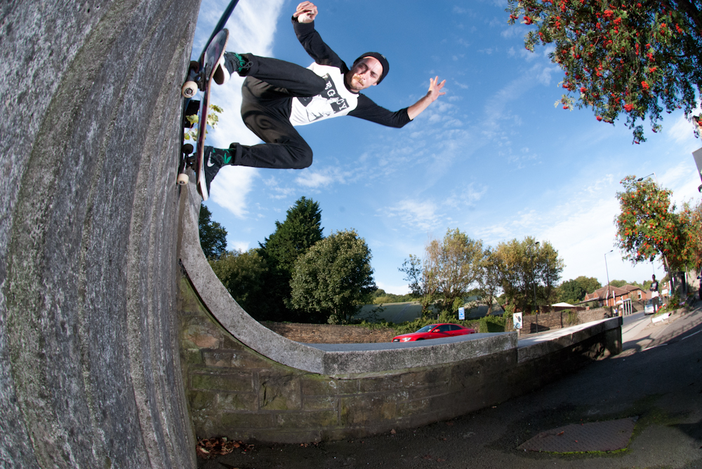 Ronny Calow - Ollie Up Wallride - Sheffield