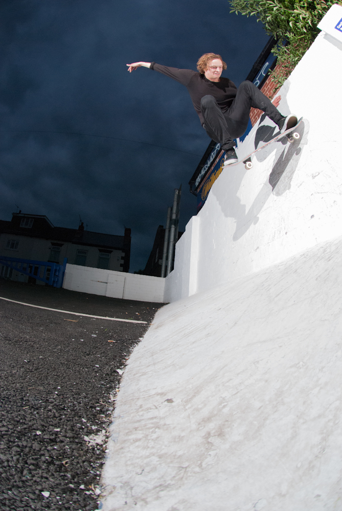 Chris Mann - Wallride Nollie Out - Barnsley
