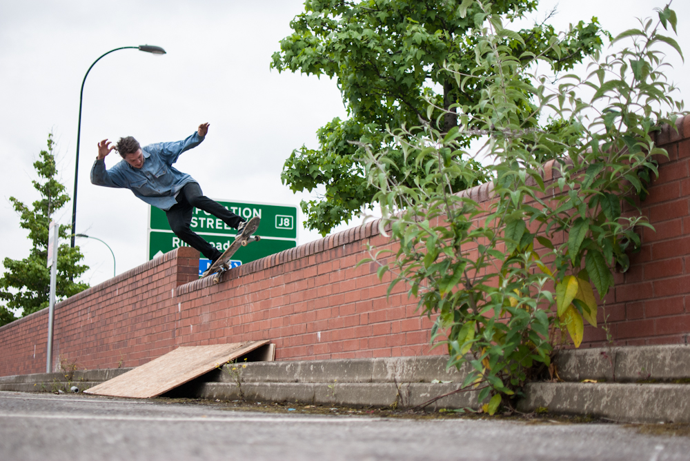 Moggins - Wallride 5-0 Fakie - Sheffield