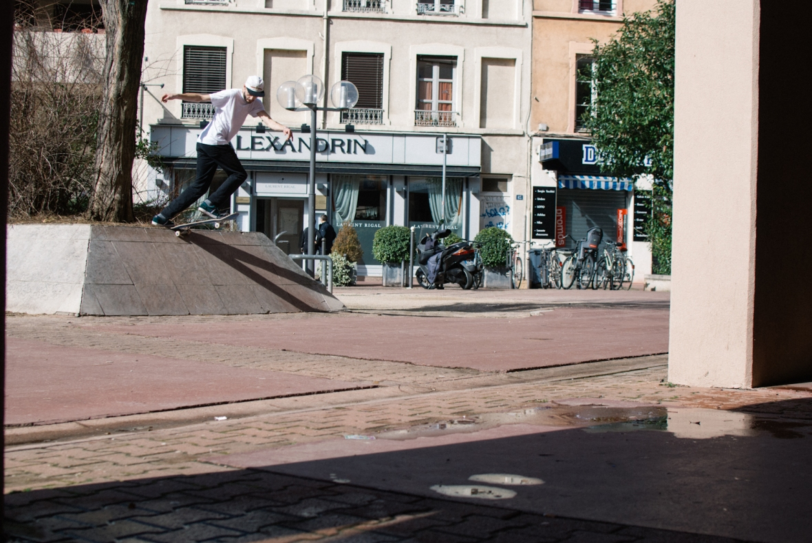 Ash Hall - Back Tail - Lyon