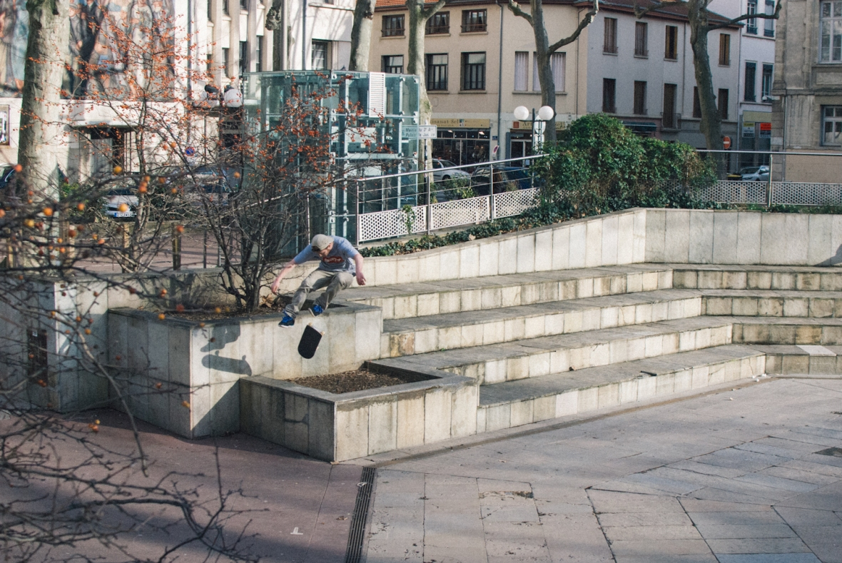 Danny Jones - 360 Flip Planter gap - Lyon