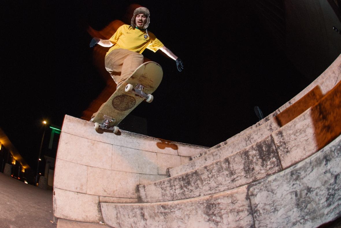 Oliver Glossop - Bs Tailslide - Lyon_
