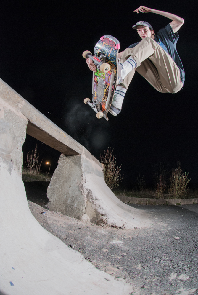dave-adlington-frontside-air-diy-chesterfield